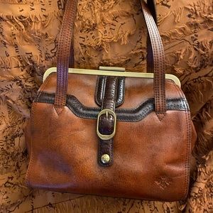 Vintage style shoulder bag